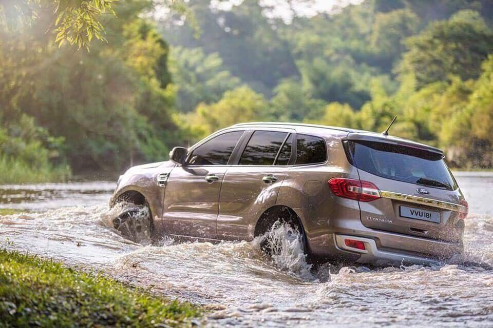 Ford Everest Titanium 2.0L 4×2 AT5