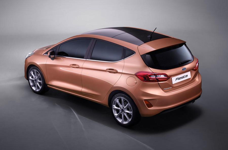 Ford Fiesta 4 cửa 1.5L AT Titanium5