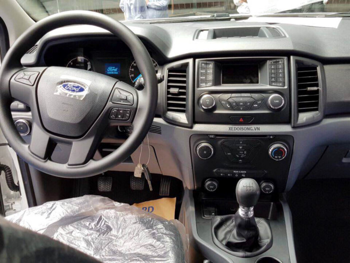 Ford Everest Ambiente 2.0L 4×2 MT 20194