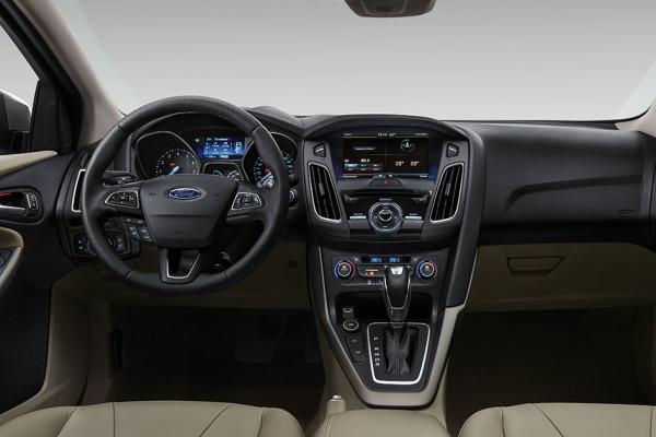 Ford Focus 5 Cửa 1.5 EcoBoost Sport2