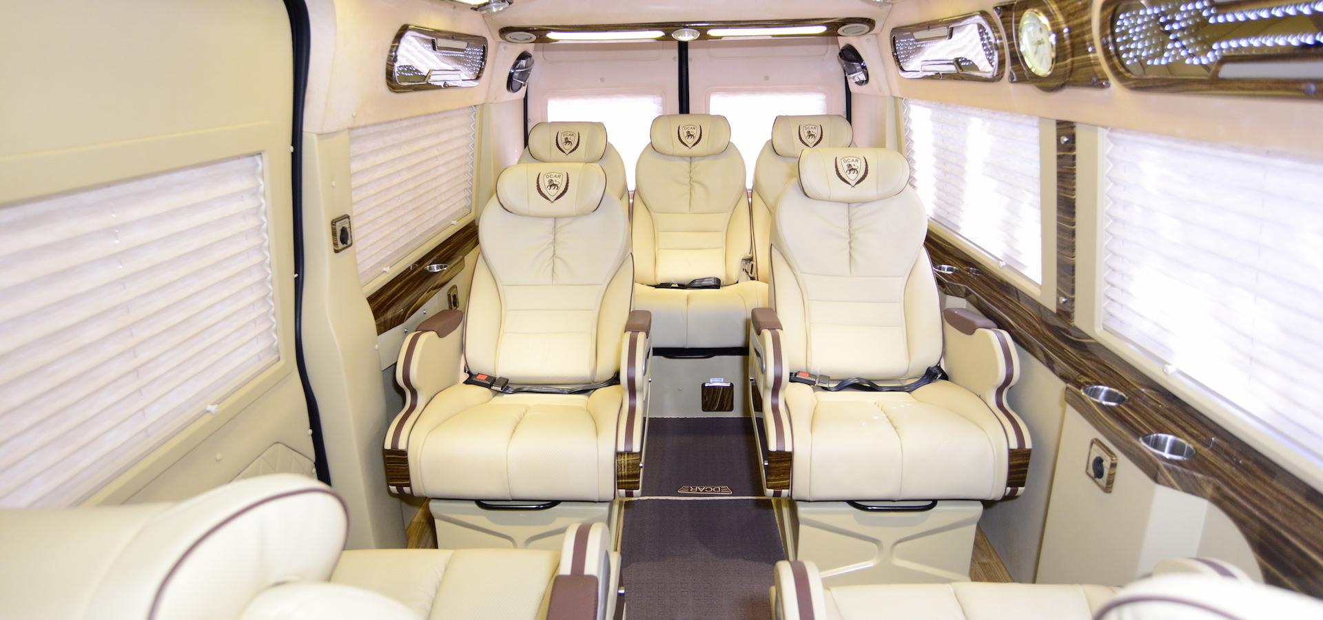 Ford Transit Dcar Limousine 2021 (Bản 10 chỗ)2